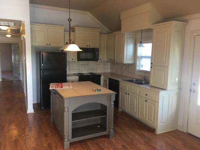 15155-Hwy-44-kitchen