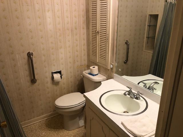121 Church St Bathroom